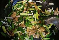 回锅肉炒蒜苗的做法