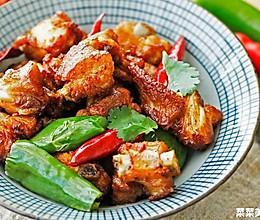 双椒煎排骨|香酥微辣的做法
