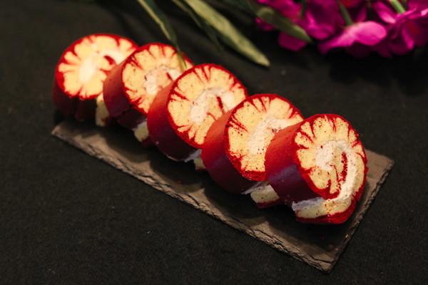 美的不像话的红丝绒旋风蛋糕卷(5蛋法)的做法