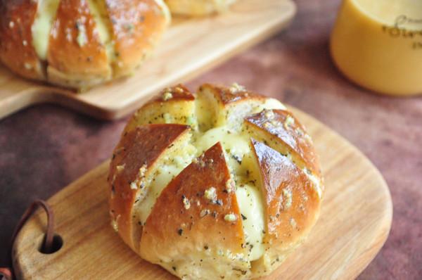 大蒜乳酪面包