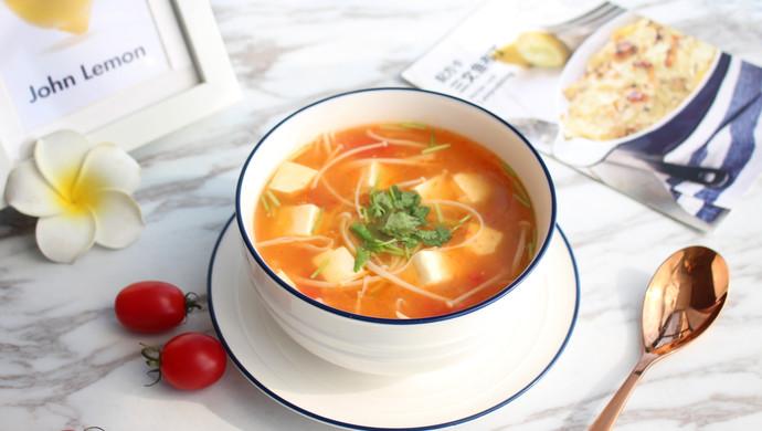 暖心暖胃【茄汁金针菇豆腐汤】