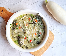 #洗手作羹汤#鲫鱼白萝卜丝汤的做法