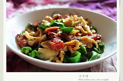 榆黄蘑炒腊肠