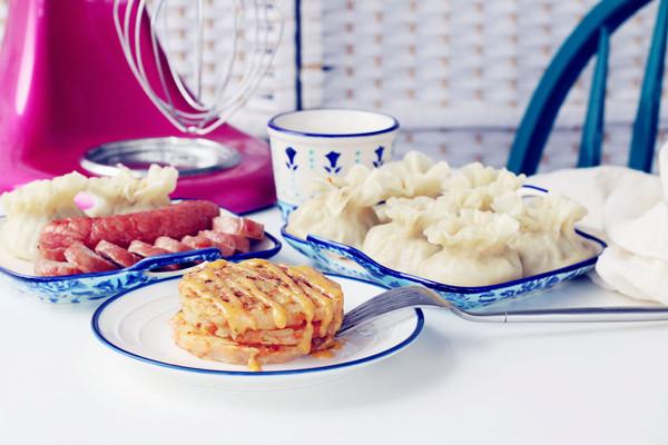 烧麦香肠土豆丝饼套餐