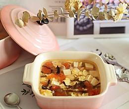 秋季宝宝暖胃补钙汤:番茄木耳豆腐汤的做法