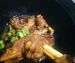 铁锅炖羊蹄的做法