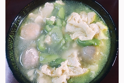 丝瓜鸡蛋贡丸汤