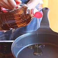 酸汤肥牛#金龙鱼营养强化维生素A纯香菜籽油#的做法图解5