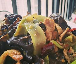 木耳莴苣小炒的做法