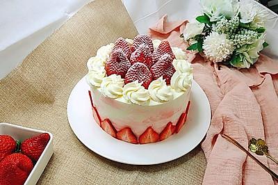 没有裱花台一样做蛋糕~草莓蛋糕