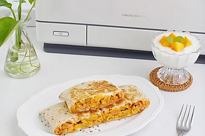 快手早餐,芝士泡菜火腿蛋卷饼和芒果酸奶