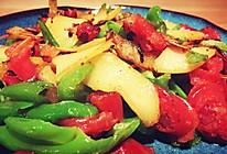 土豆青椒炒腊肠的做法