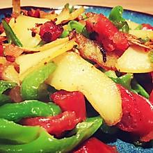 土豆青椒炒腊肠