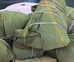 五花肉粽子的做法