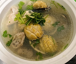 鲍鱼炖鸡汤的做法