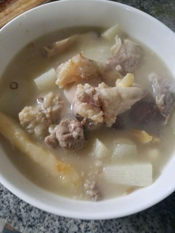 筒子骨汤的做法