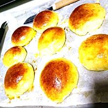 椰蓉蛋奶面包
