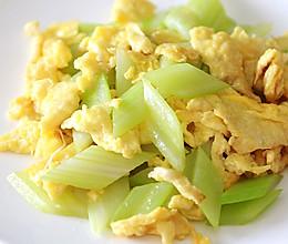 健康素食主义:西芹炒鸡蛋的做法