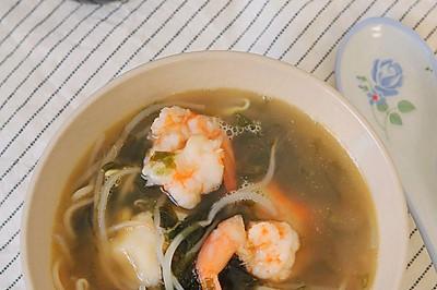 鲜虾豆芽紫菜汤