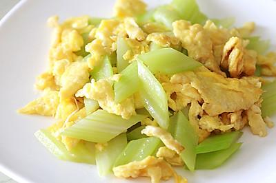 健康素食主义:西芹炒鸡蛋