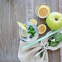 四季养颜瘦身水之-蓝莓柠檬水