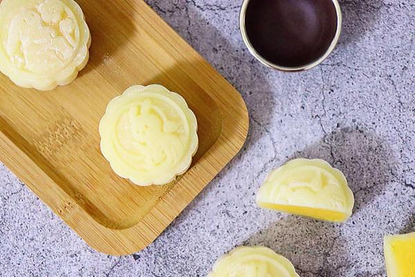 冰皮月饼:超爱奶黄馅!的做法
