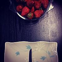 草莓玫瑰的做法图解1