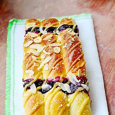 三种味道合一的面包——墨西哥蓝莓排包