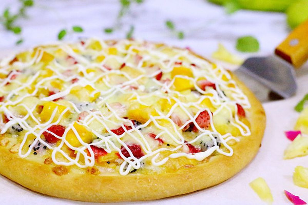 缤纷水果披萨的做法