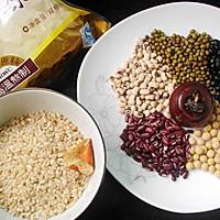 五豆糙米甜粥的做法图解1