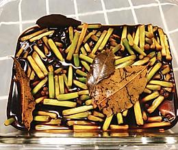 不放水不放油的开胃小菜-腌蒜薹的做法