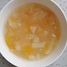 银耳雪梨枇杷汤