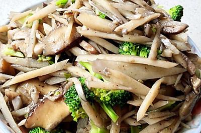莲菜炒双菇