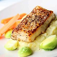 浪漫的西餐—香煎鳕鱼配土豆泥