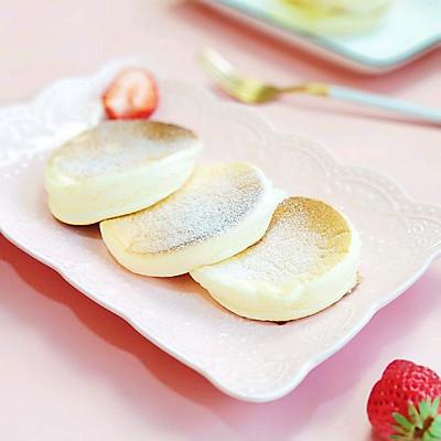 酸奶舒芙蕾厚松饼