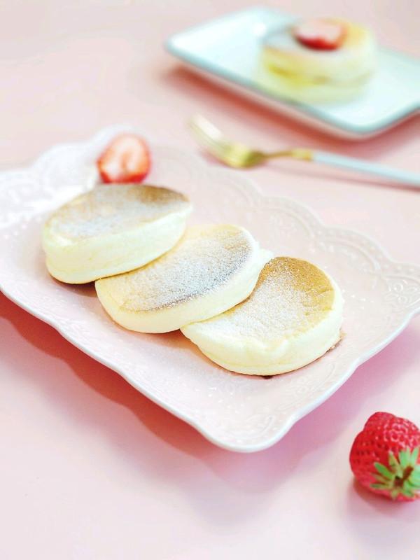 酸奶舒芙蕾厚松饼的做法