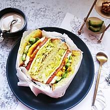简单快手三明治 低脂减肥牛油果三明治。