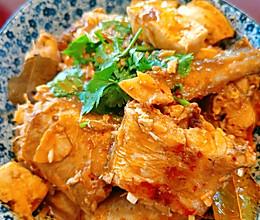 蒜蓉鳕鱼炖豆腐(微辣)的做法