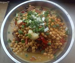 腊肉骨头煮黄豆的做法