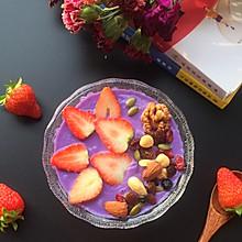 坚果草莓思慕雪~色彩上的冲击,味觉上的享受,健康饮食的潮流