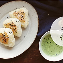 花生芝麻饭团配抹茶#趣味挤出来,及时享美味#