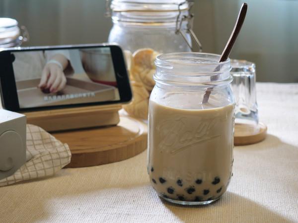 给我20秒,手把手教你自制完胜奶茶店的【焦糖珍珠奶茶】!的做法