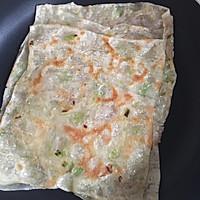 饺子皮变身葱油饼的做法图解5