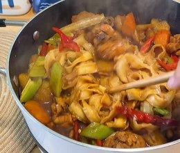 裹满土豆沙的大盘鸡拌面~可太香了的做法