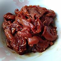 炒羊肉:它似蜜的做法图解4