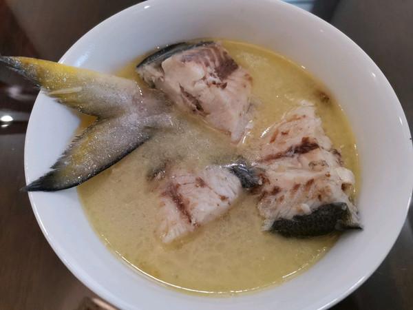 鱼汤这么做,肉嫩汤白真滋补的做法