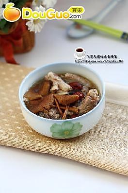 排骨茶树菇汤的做法