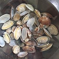 #520,美食撩动TA的心!#花蛤菌菇豆腐汤的做法图解2