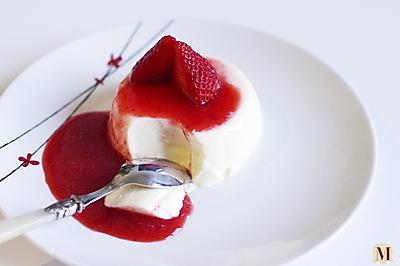 草莓奶油布丁/意式奶冻