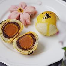 #精品菜谱挑战赛#不裂不爆不混酥,层层分明的经典豆沙蛋黄酥